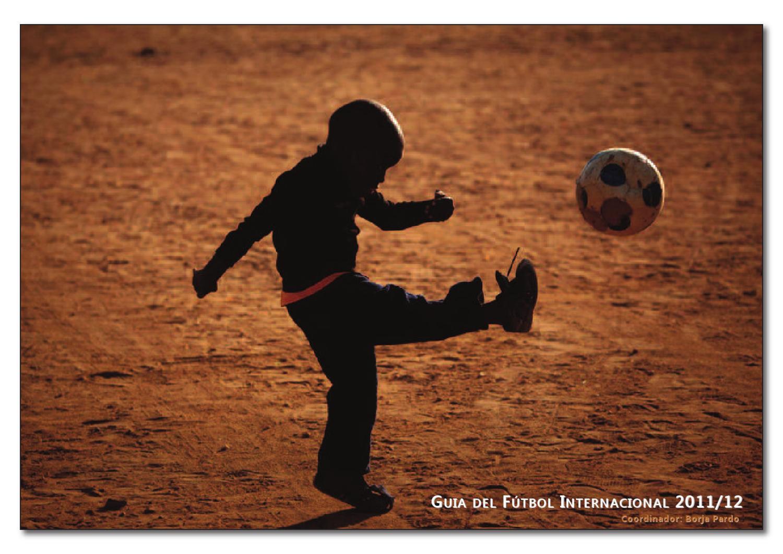 Guía de Fútbol Internacional 2011-2012 by Agustin Peraita Serra - issuu 308ab66982fb