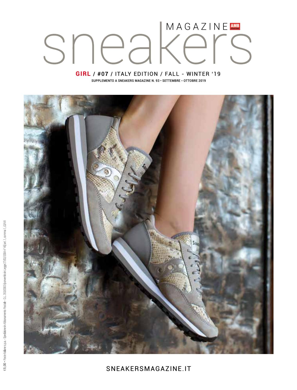 Sneakers Magazine Girl #07 Italian Edition by Snow Planet