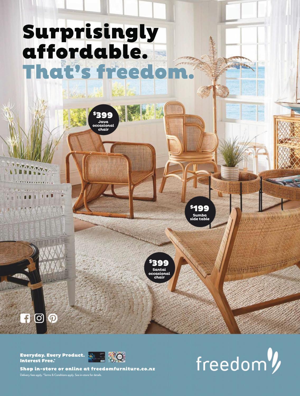 White//Navy Gate House Furniture Straight Leg Quatrefoil Series Wood Luggage Rack